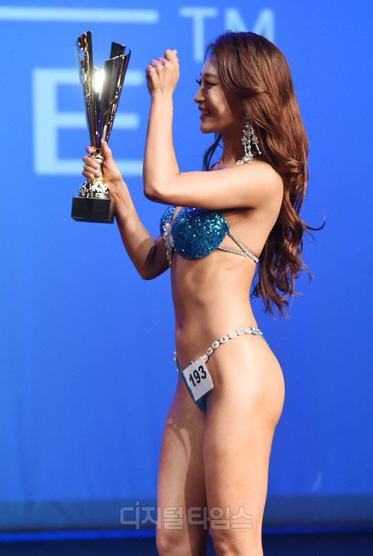 [포토]정유승 `머슬마니아 마이애미, 비키니 쇼트 4위 수상했어요`
